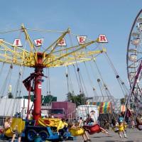 Mechanical rides at Ottawa`s SuperEx