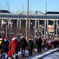 A dozen of Santa`s helper in front of the National Gallery Museum